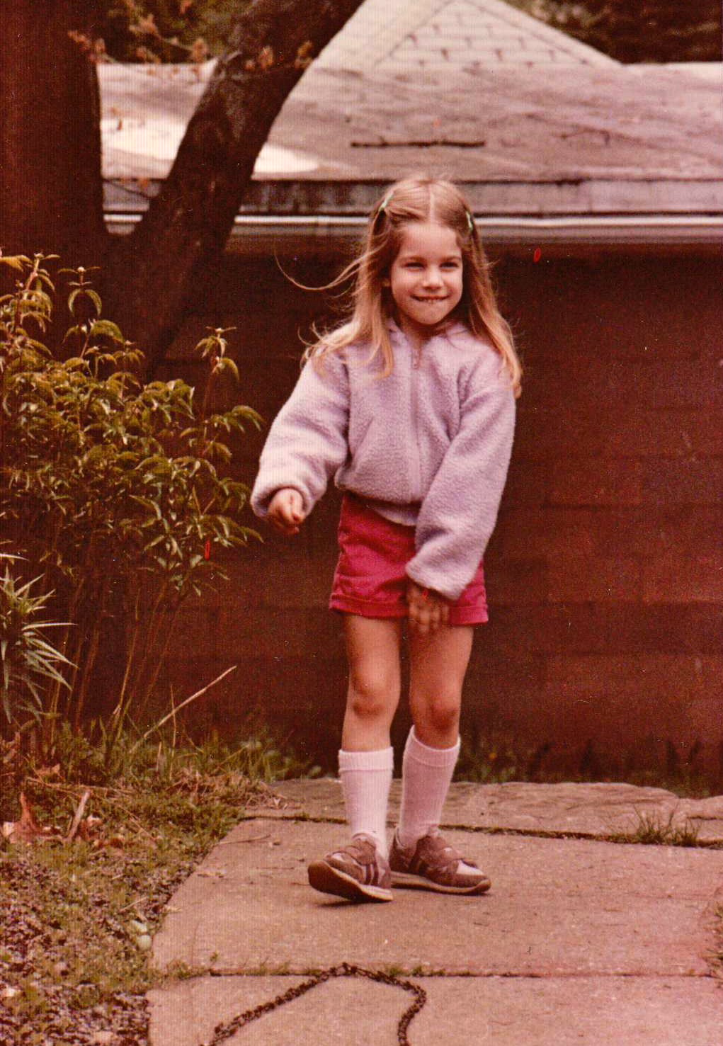 I'm thinking of bringing knee socks back. Just look how rad they are.